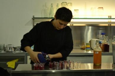 Pouring the kombucha